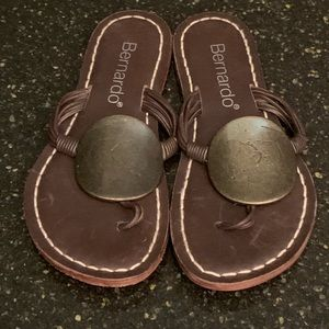 Bernardo Disc Thong Sandals